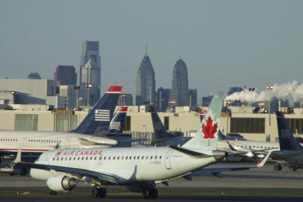 Philadelphia airport PHL run way